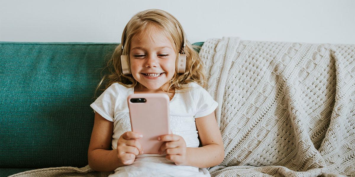 Детский сотовый телефон: как выбрать, лучшие модели, как защитить ребенка от зависимости смартфона?