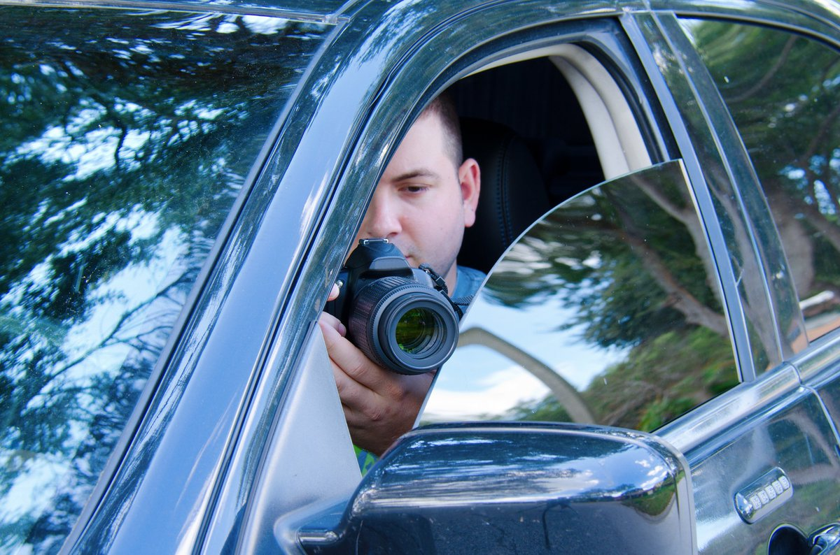 A private investigator is in a hurry to help you.